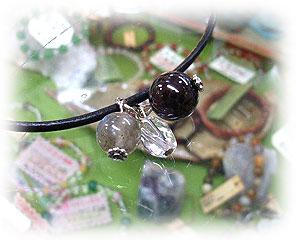 スターガーネット&ラブラドライト&水晶のチョーカータイプのネックレス