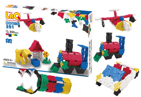 ベーシック201は汽車やアヒルの親子など、9種類のモデルを組み替えながら作れるセットです。