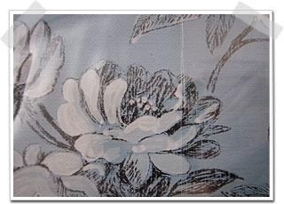 モチーフとなっている花はWateletという白いお花です。